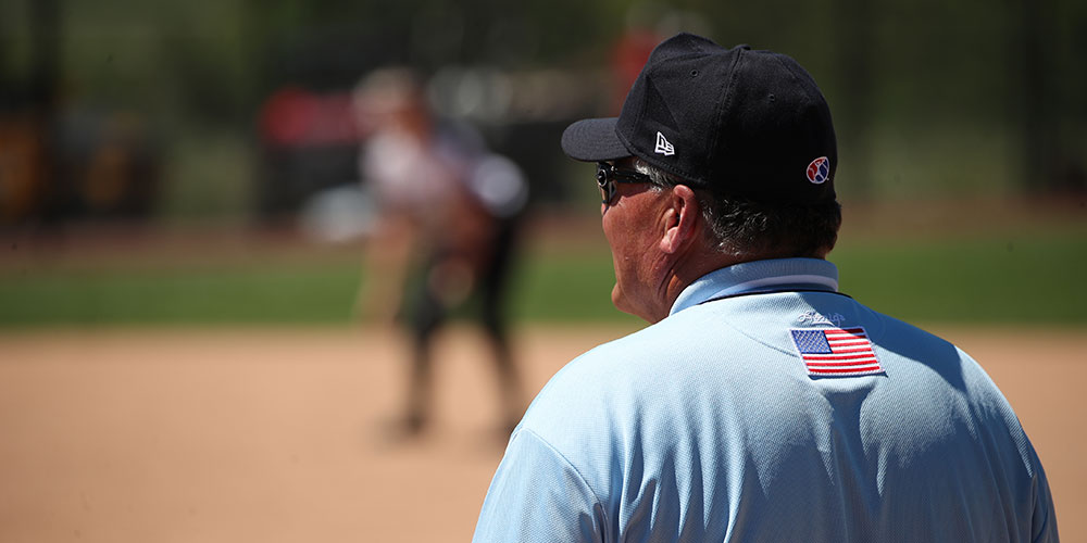 umpire in outfield
